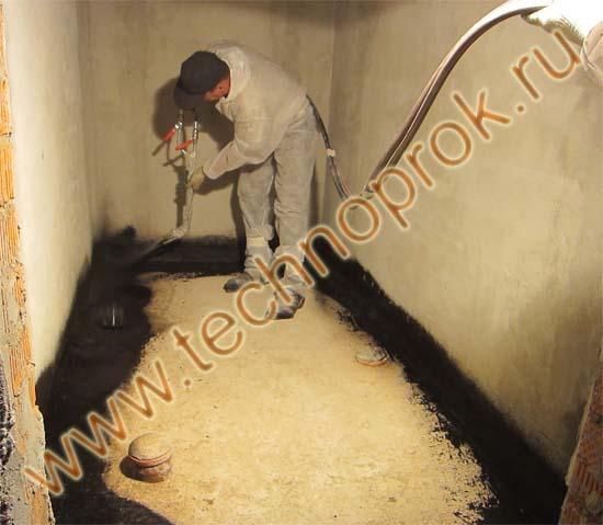 Гидроизоляция пола в ванной жидкой резиной Рапидфлекс