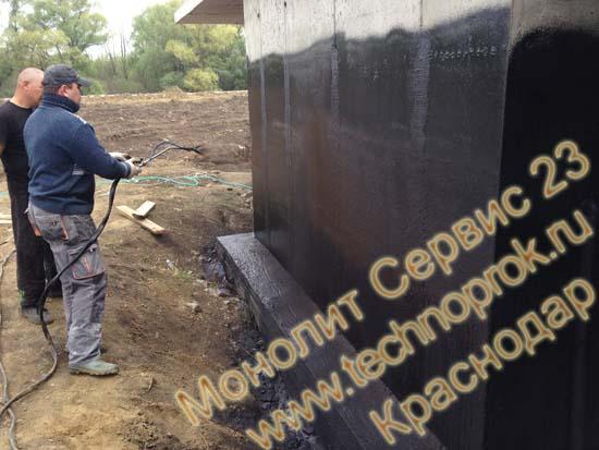 Нанесение жидкой резины на стены в Краснодаре